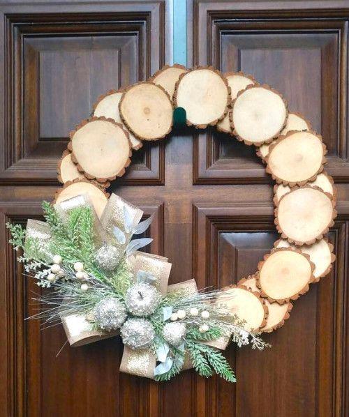 How To Make A Rustic Wood Slice Wreath Wood Wreath Rustic Wood Crafts Wood Slices