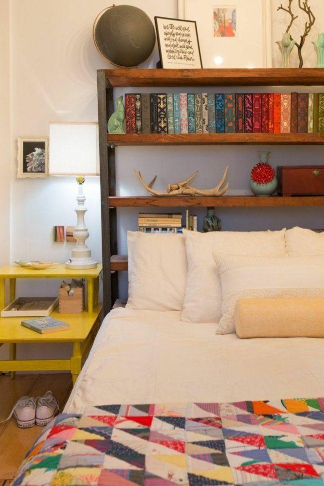 Holz breiter Einsatz auch im Schlafzimmer Bücherregal viele Farben