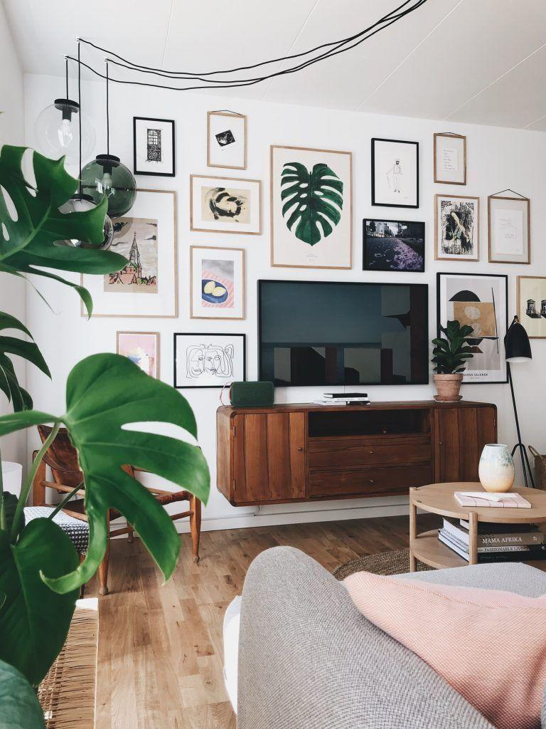 Stue Sådan Får Du Tv Et Til At Blive En Del Af Indretningen Ditteblog Tvmøbel Tv Stue Boligindretnin Tv Room Decor Living Room Tv Wall Home Living Room