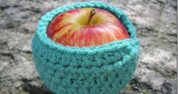Bare Hæklehopla: Æblebeskytter til skoletasken