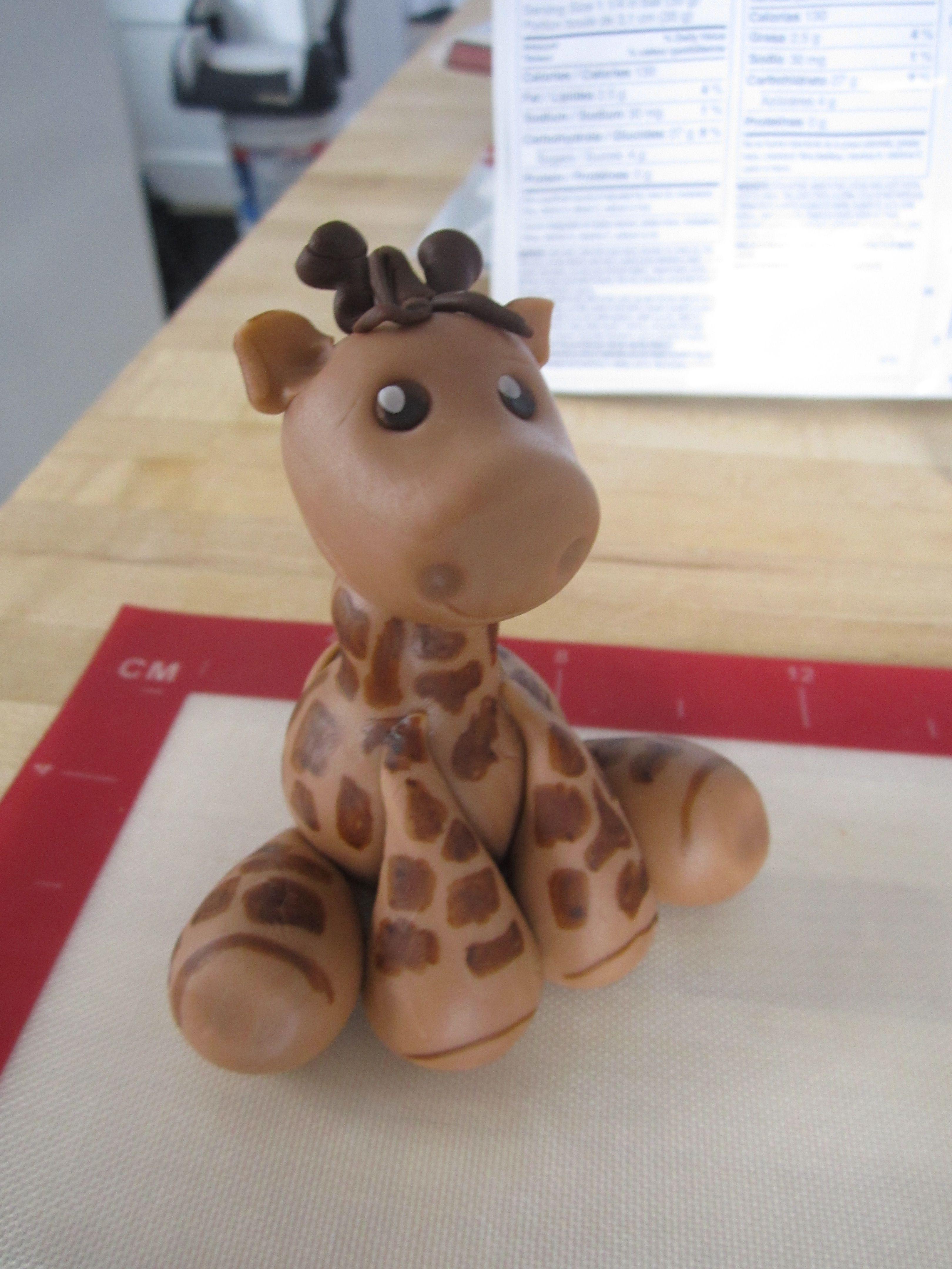 girafe en p te modeler comestible pate fimo pinterest girafes p tes et sels. Black Bedroom Furniture Sets. Home Design Ideas