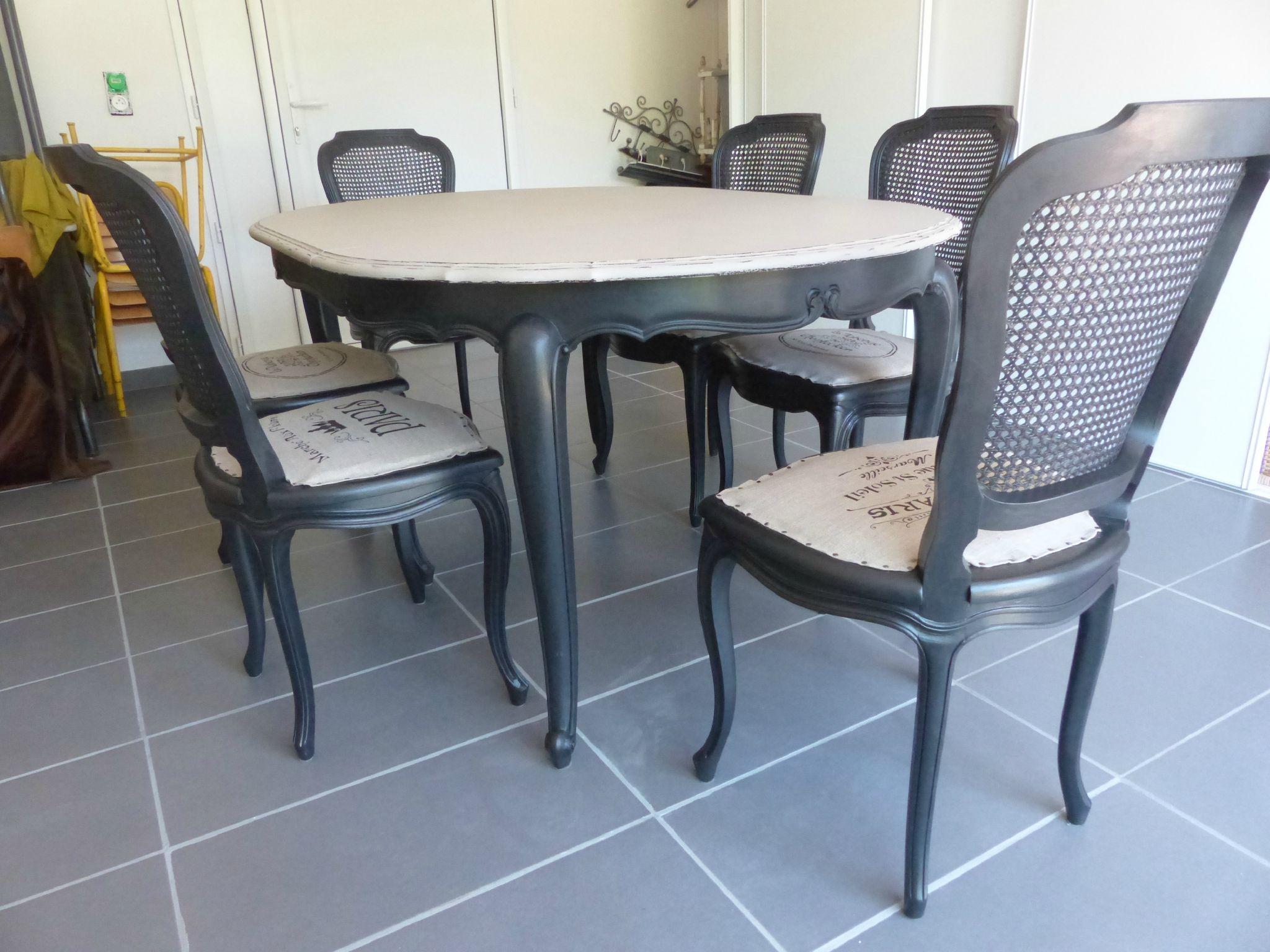 Relooking chaises et table en merisier l atelier de Relooker des meubles