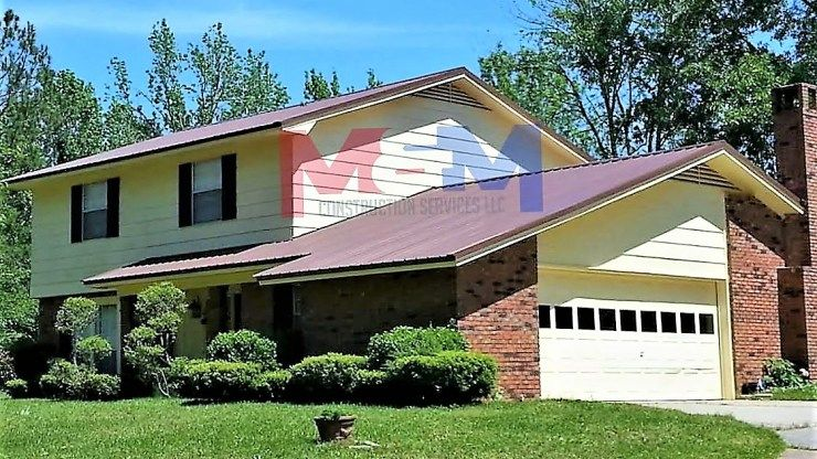 Licensed Contractor Serving Mississippi We Specialize In Metal Roofing Custom Decks And Much More Gallery Construction Services Custom Decks Metal Roof
