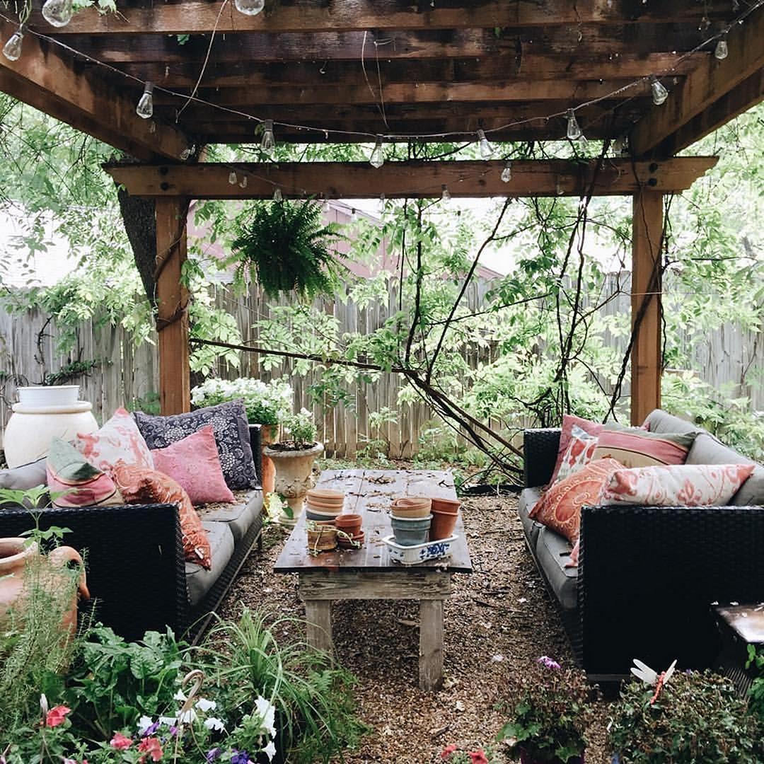 24 Beautiful Hippie Garden Design For Fun Garden Inspiration Boho Patio Outdoor Rooms Backyard Decor