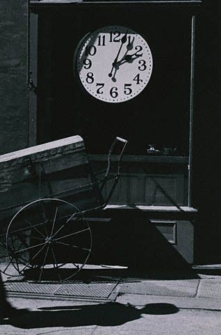 Andre Kertesz watchmakers shop