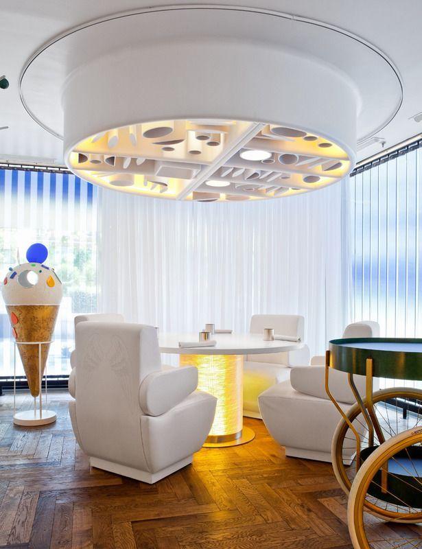 Restaurante Diverxo De David Muñoz Una Decoración De Fantasía Http Icono Interiorismo Blogspot Com Es 2015 01 Restaurante Diverxo De D Home Decor Home Decor