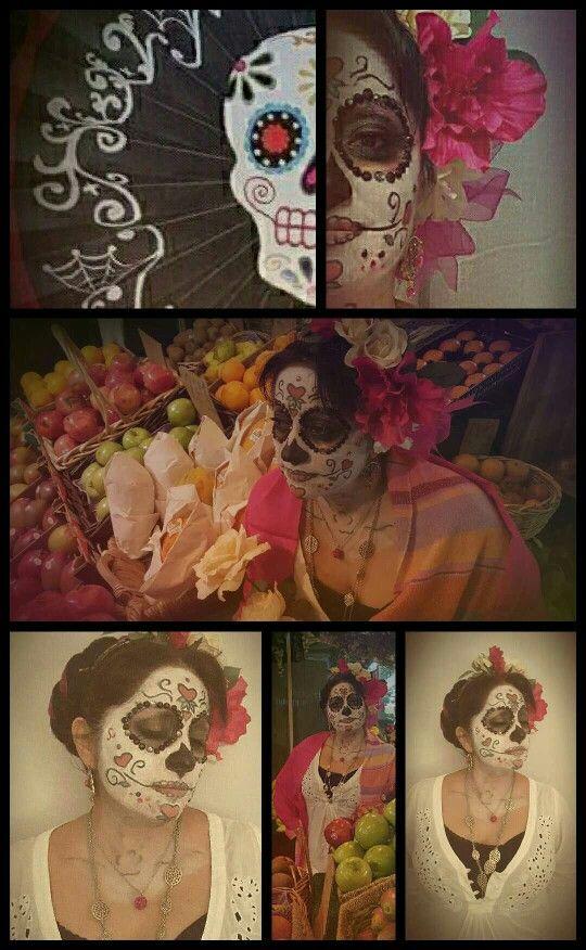Yo,  celebrando una linda tradición  de mi México lindo y querido Nuestra catrina mexicana. México te llevo en mi corazón.
