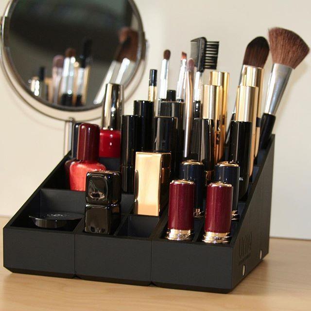 A vous de décider ce que vous y disposez ! Uniq Organizer, le rangement maquillage à composer soi même sur www.uniqorganizer.com !  #uniqorganizer #nouveau #rangementmaquillage #rangementmakeup #makeupstorage #makeuporganizer #nouveauté #rangement #organisation #maquillage #beauté #makeup #cosmétique #ral #gloss #mascara #fard #blogbeaute #makeupaddict #makeupjunkie #makeuplover #instamakeup #idéecadeau