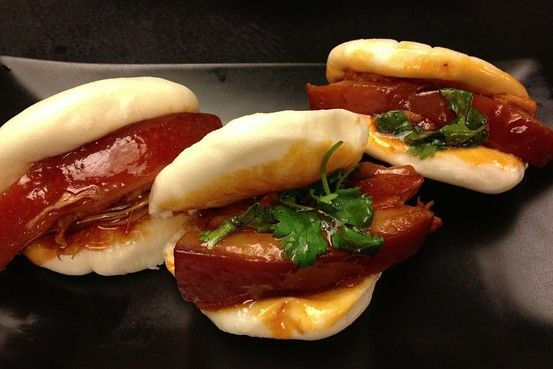 damn these pork belly buns has me drooling.