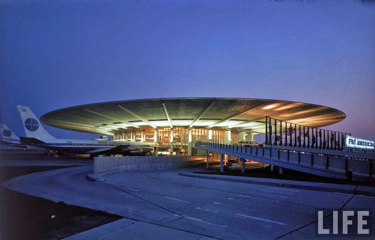 Pan Am Worldport at night. Vintage Photographs of Idlewild