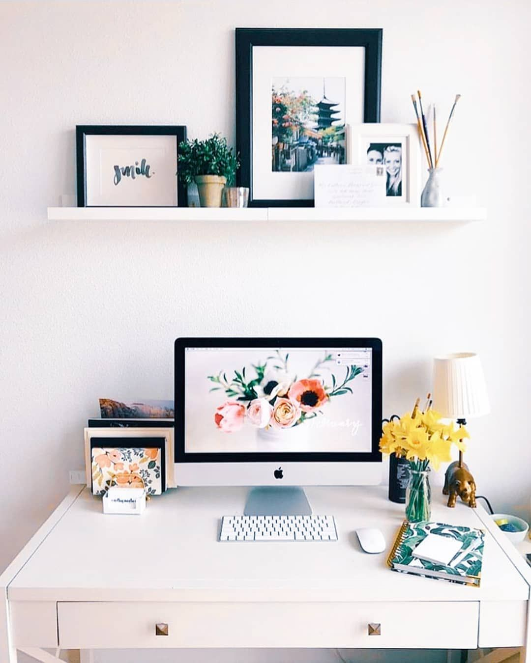This workspace is goals! LOVING this feminine and clean home