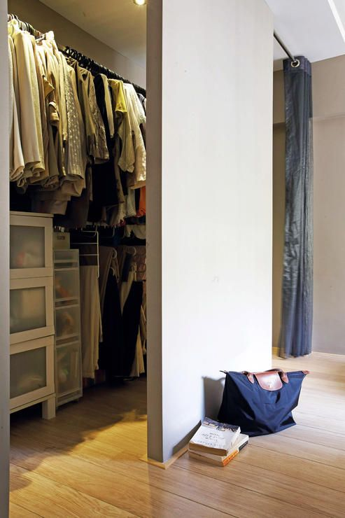 Coastal Design 2 Room Bto Flat: Want A Walk-in Wardrobe In A Small HDB Flat? Here Are 7