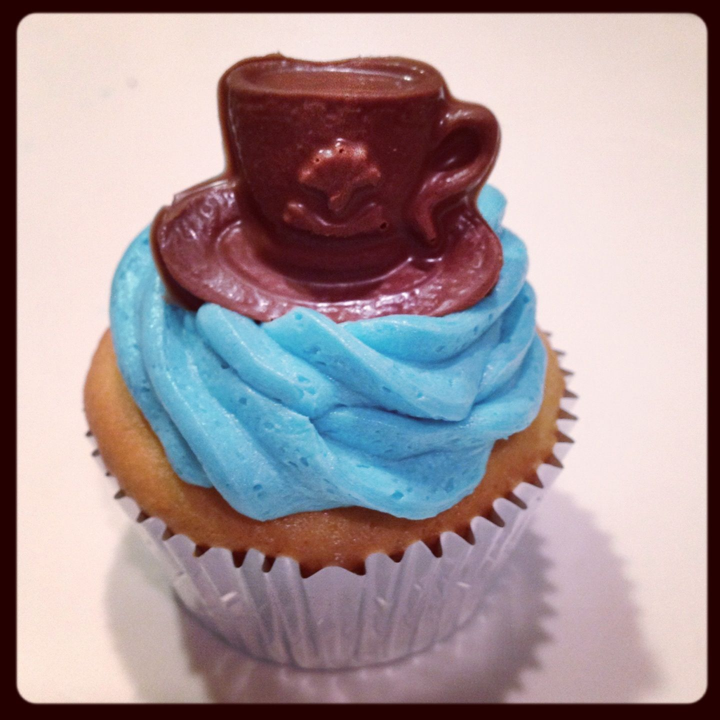 Tea party cupcakes with chocolate teacups!