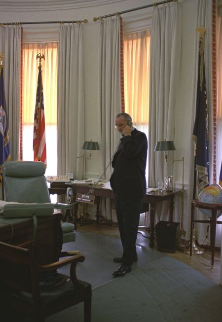Lbj Oval Office White House Archived On Twitter Lbj Oval Office