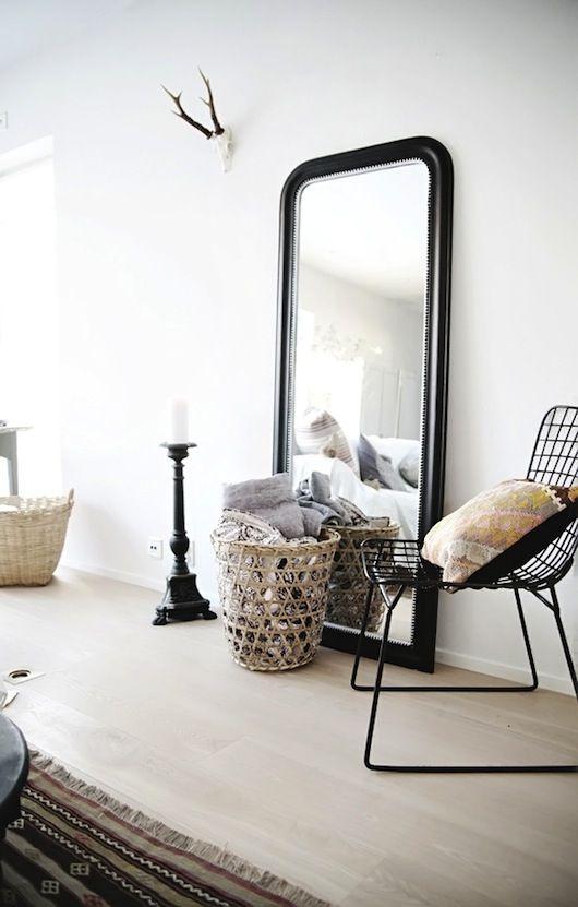 Miroir posé au sol | Déco ! | Pinterest | Le sol, Miroirs et Inspiration