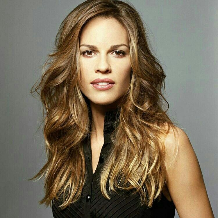 Hilary Swank | Hilary Swank in 2019 | Actresses, Hair ...