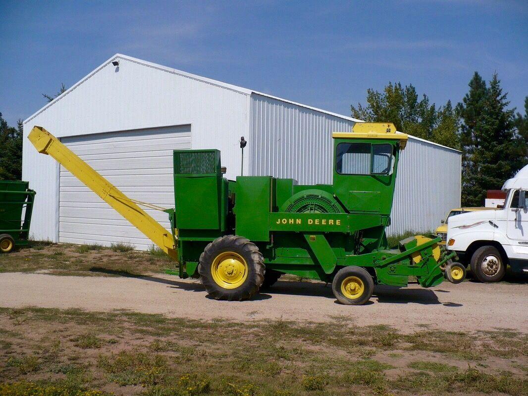 JOHN DEERE 425 Hay Cuber | Farm equipment | John deere