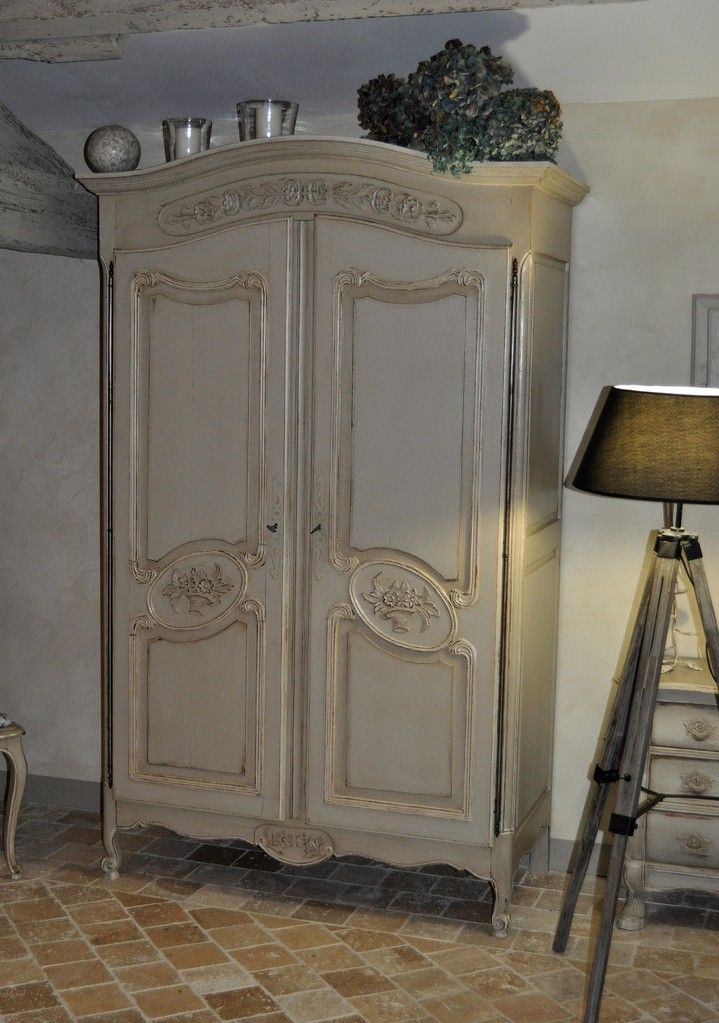 Pin by bohdana on Rustic Furniture in 2018 Pinterest Armoire - Comment Peindre Un Meuble Vernis