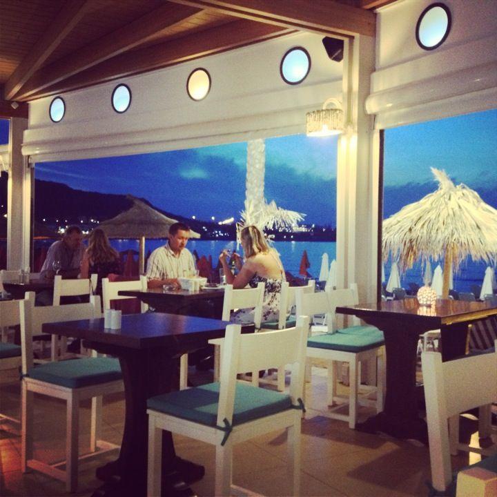 Akti bar restaurant