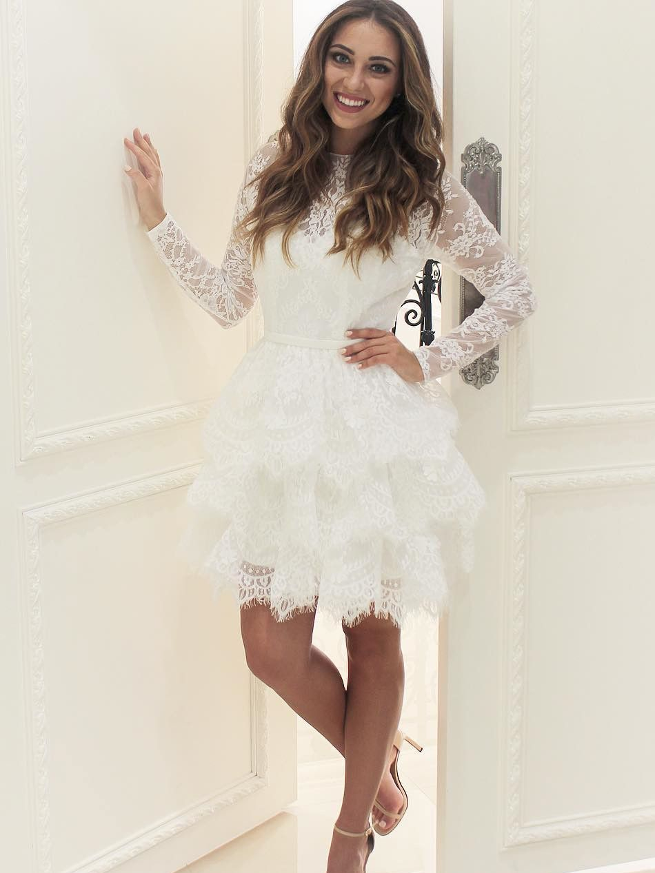 Elegant White Lace Long Sleeves Short Homecoming Party Dress In 2021 Short Lace Wedding Dress Lace Homecoming Dresses White Homecoming Dresses [ 1267 x 950 Pixel ]