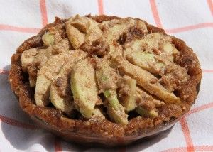 Raw apple pie by christine roseberry for the fullyrawkristina by christine roseberry for the fullyrawkristina recipe competition forumfinder Gallery