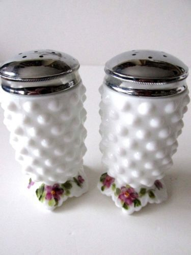 FENTON-RARE-LOUISE-PIPER-VIOLETS-MG-HOBNAIL-S-P-SHAKERS
