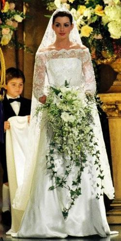 Anne Hathaway Wedding.Wedding Dress From The Royal Engagement Movie Mia Anne