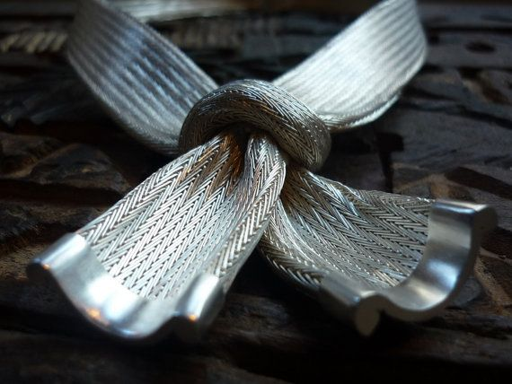 Sterling silver bow necklace - silver weave