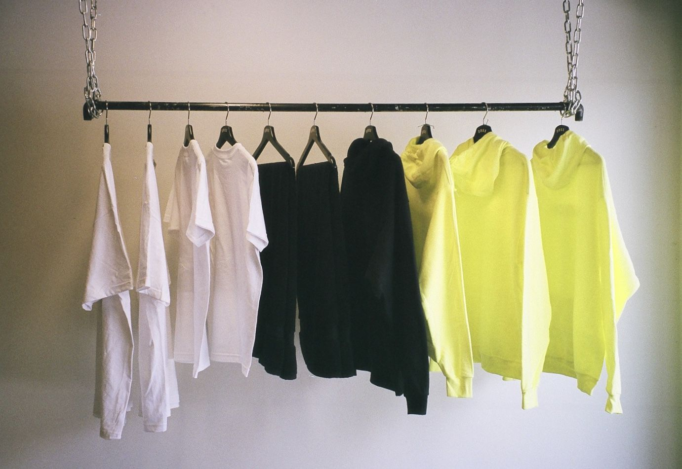 Streetwear Store Drux Usa Chain Rack Hanging From