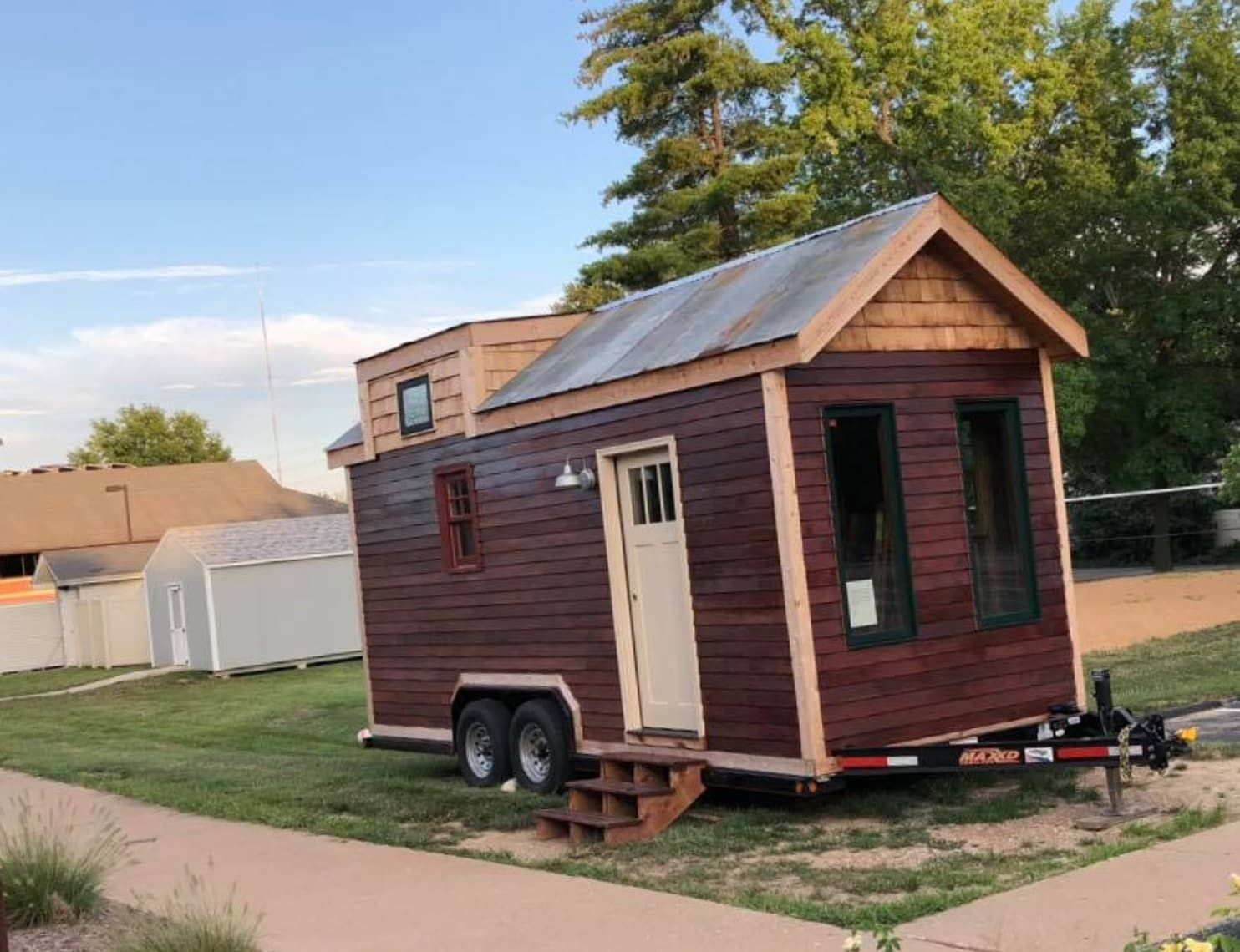 she spent two years building a tiny house then thieves wheeled it rh pinterest com