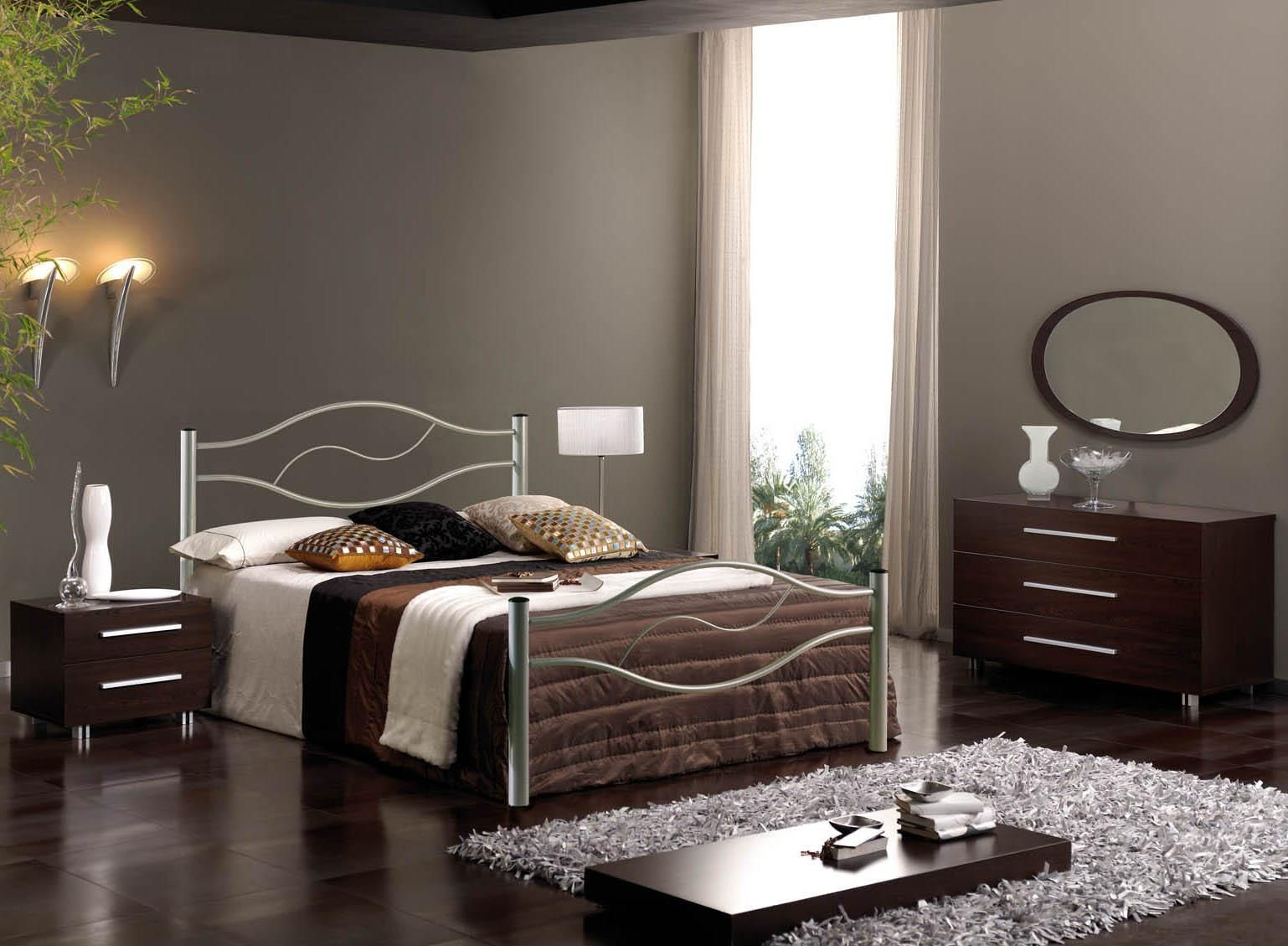 Amazing Metal Bed Design Feats Romantic Bedroom