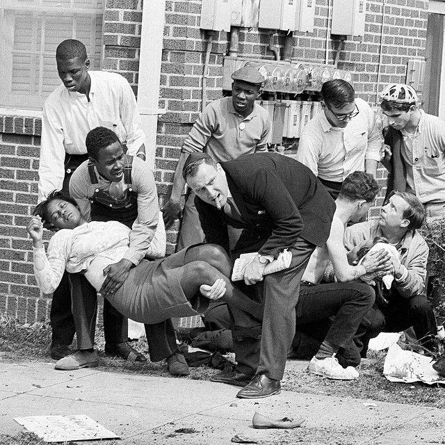 Fifty years ago today on the Edmund Pettus Bridge in Selma ...   640 x 640 jpeg 126kB