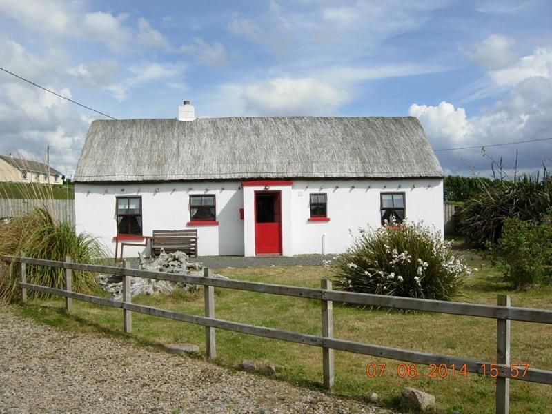 rent this 2 bedroom cottage in kincasslagh for 87 night has rh pinterest at