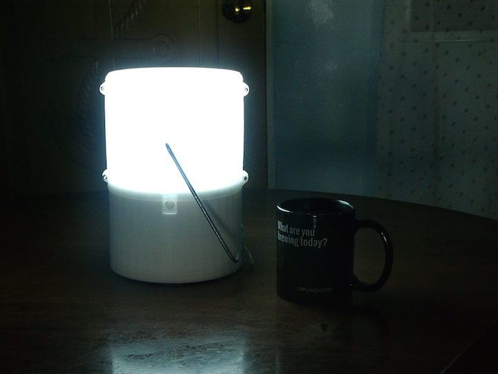 Amazing Invention Uses Only 1 Glass Of Saltwater To Supply 8 Hours Of Light Cool Inventions Innovation Design Inventions
