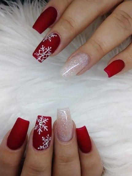 Unghie per Natale 2018: le idee nail art più belle del web a cui ispirarsi #christmasnails Unghie Natalizie? No problem! Eccovi alcune delle nail art più belle del web a cui ispirarsi per le vostre unghie natalizie #holidaynails