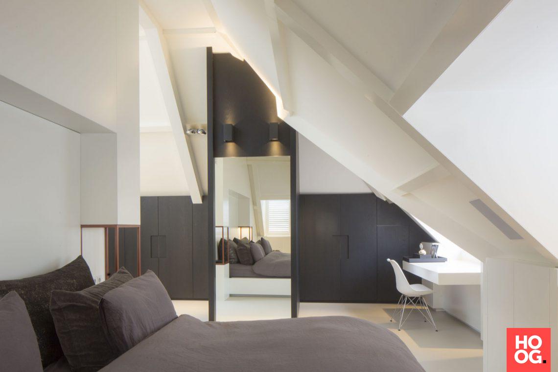 Van boven luxe renovatie zolderverdieping badkamer slaapkamer