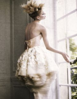 'Fine Times', Michelle Westgeest by Yuval Hen, Financial Times November 2009.  Christian Dior Fall Winter 2009 Haute Couture