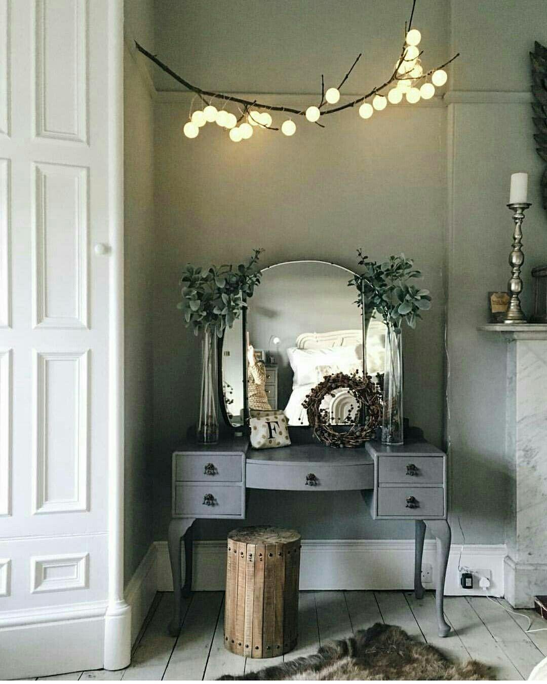 avana_design on insta love the lights on the branch