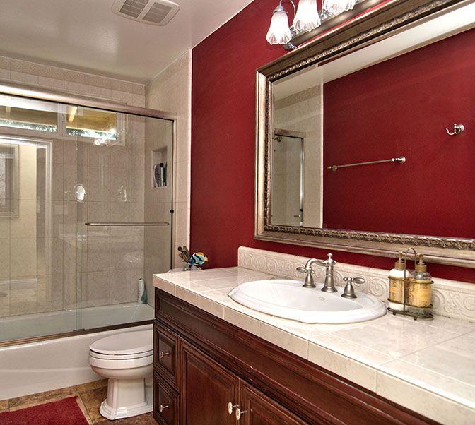 Bathroom | Cuarto de baño, Cuartos