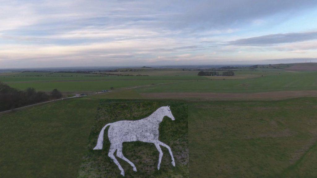 The Devizes Millenium White Horse by public-art.uk