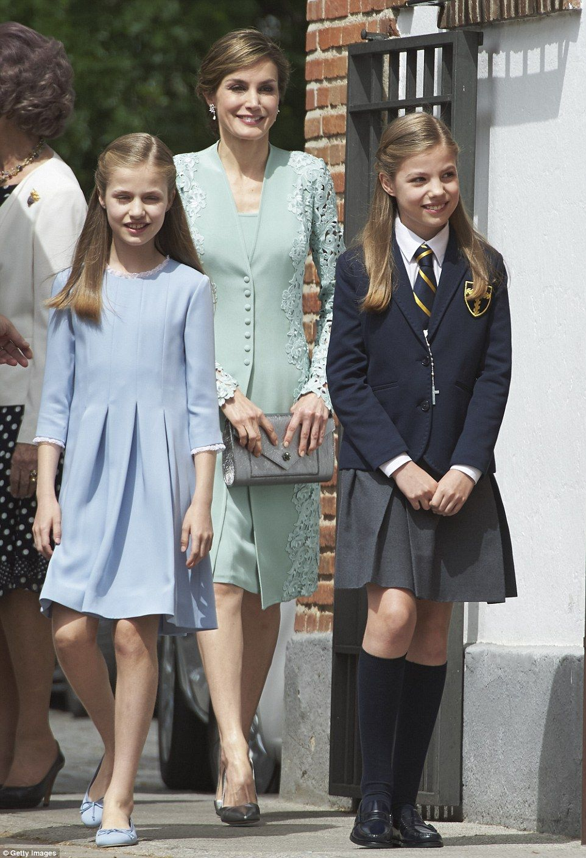 Spanish Royals Attend Princess Sofias First Communion -6126