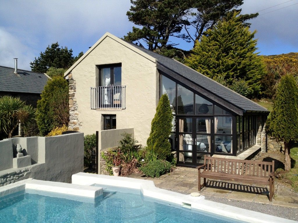 Vrbo Com 97480ha Cottage Studio With Outdoor Pool Sea Views Sheep S Head Near Bantry Cottage Cottage Rental Ireland Cottage