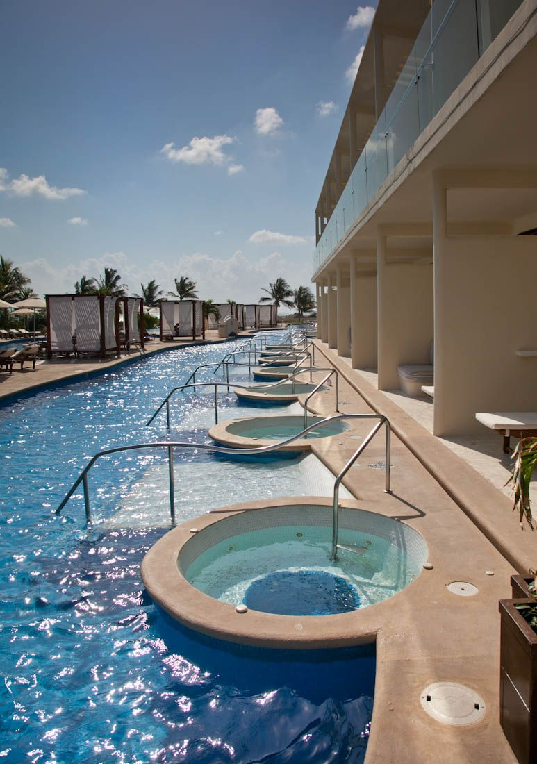 Swim up suites. Perfect idea for family vacation ...