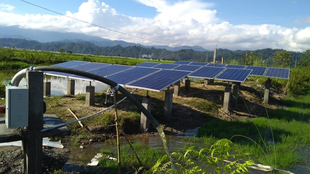The Solar Pump Basically Works On Solar Panels As The Power Source Used To Drive Electric Motors The Solar Pump System Bas Solar Roof Solar Panel Installation