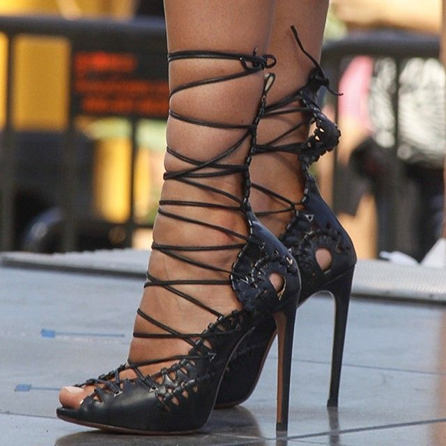 Amazing heels☻♥ These shoes are insanely hot!!!