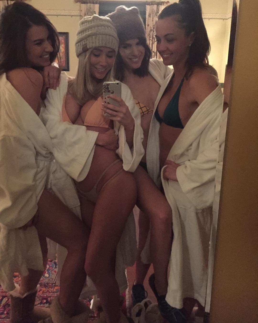 Sara Underwood with friends
