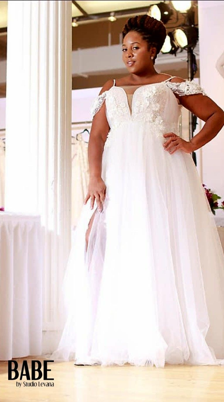 Plus size tulle wedding dress  Plus size tulle ball bridal gown with off shoulder sleeves and skirt