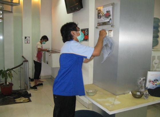 PT TUKANG BERSIH INDONESIA Bergerak dibidang jasa kebersi