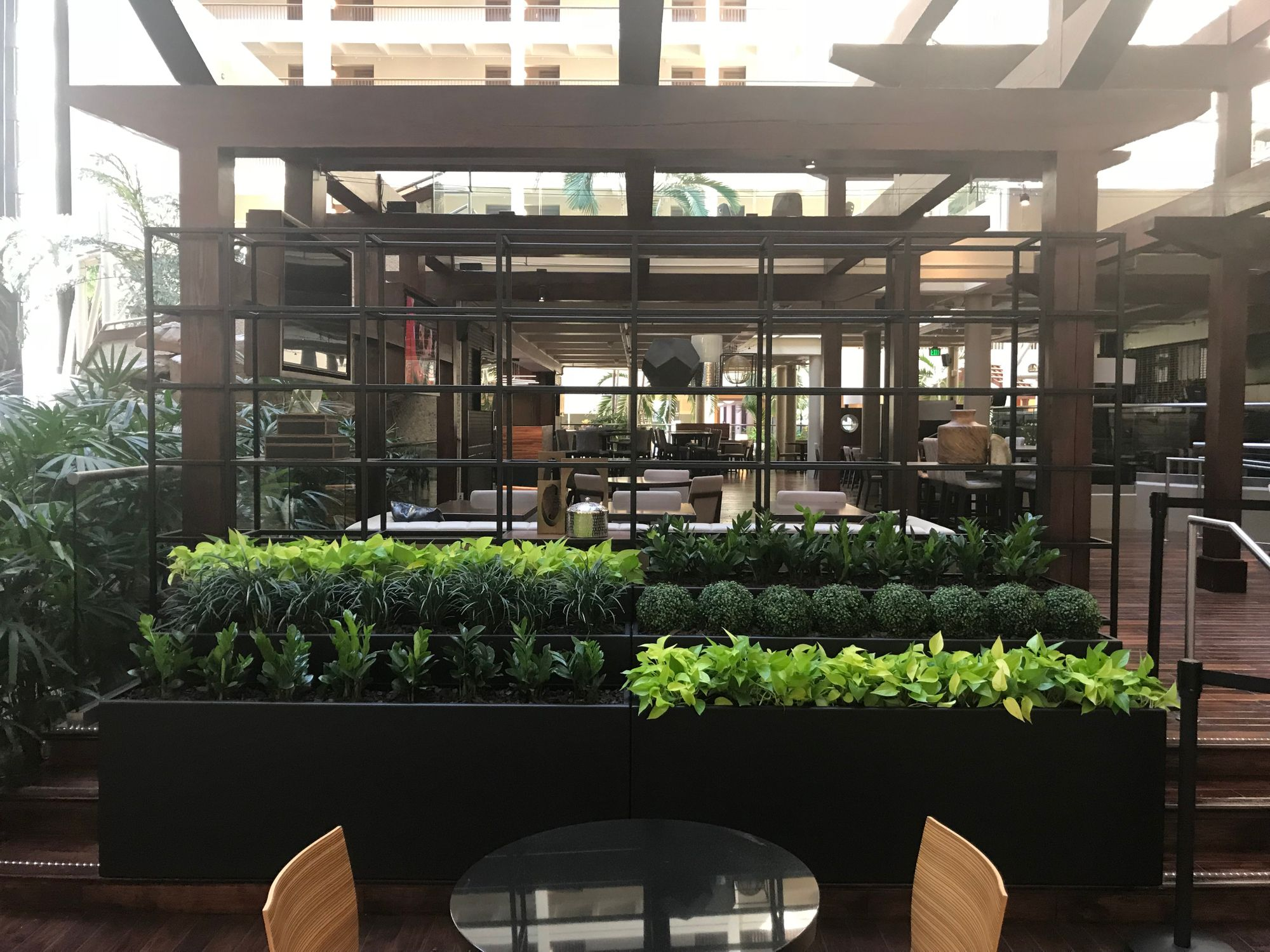 Commercial Planter Dividers In 2020 Indoor Planters Plants Planters