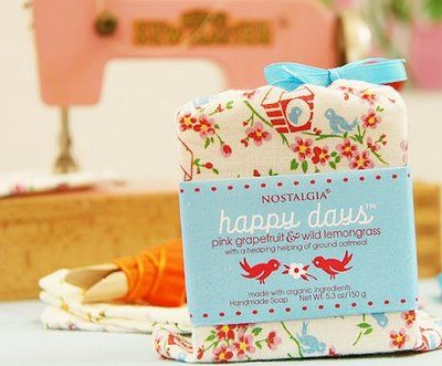 Nostalgia Happy Days soap, in a fabulous little fabric package.  Cute stuff!